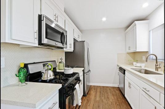 Image Of Casa Del Rio Seco Apartments In Downey Ca