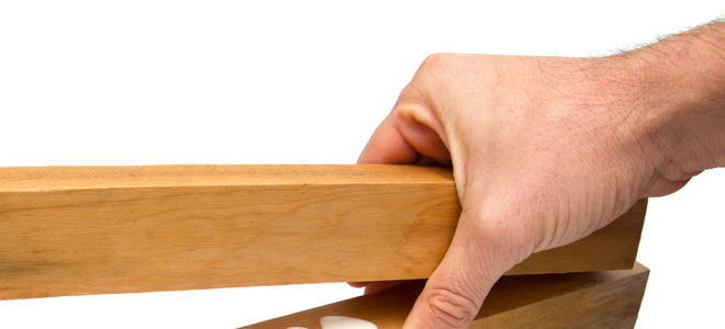 4 Tips For Removing Super Glue From Wood