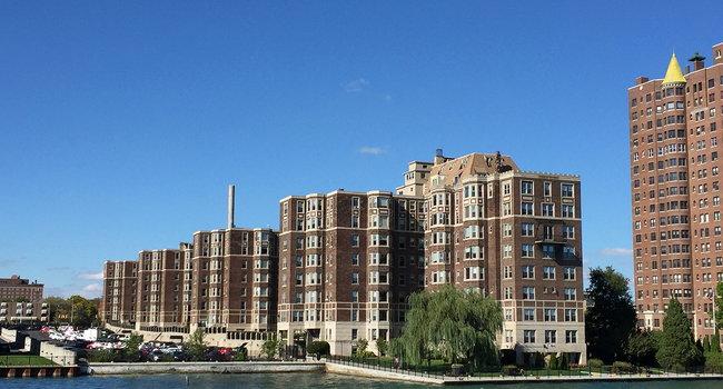 Image Of Alden Towers In Detroit Mi