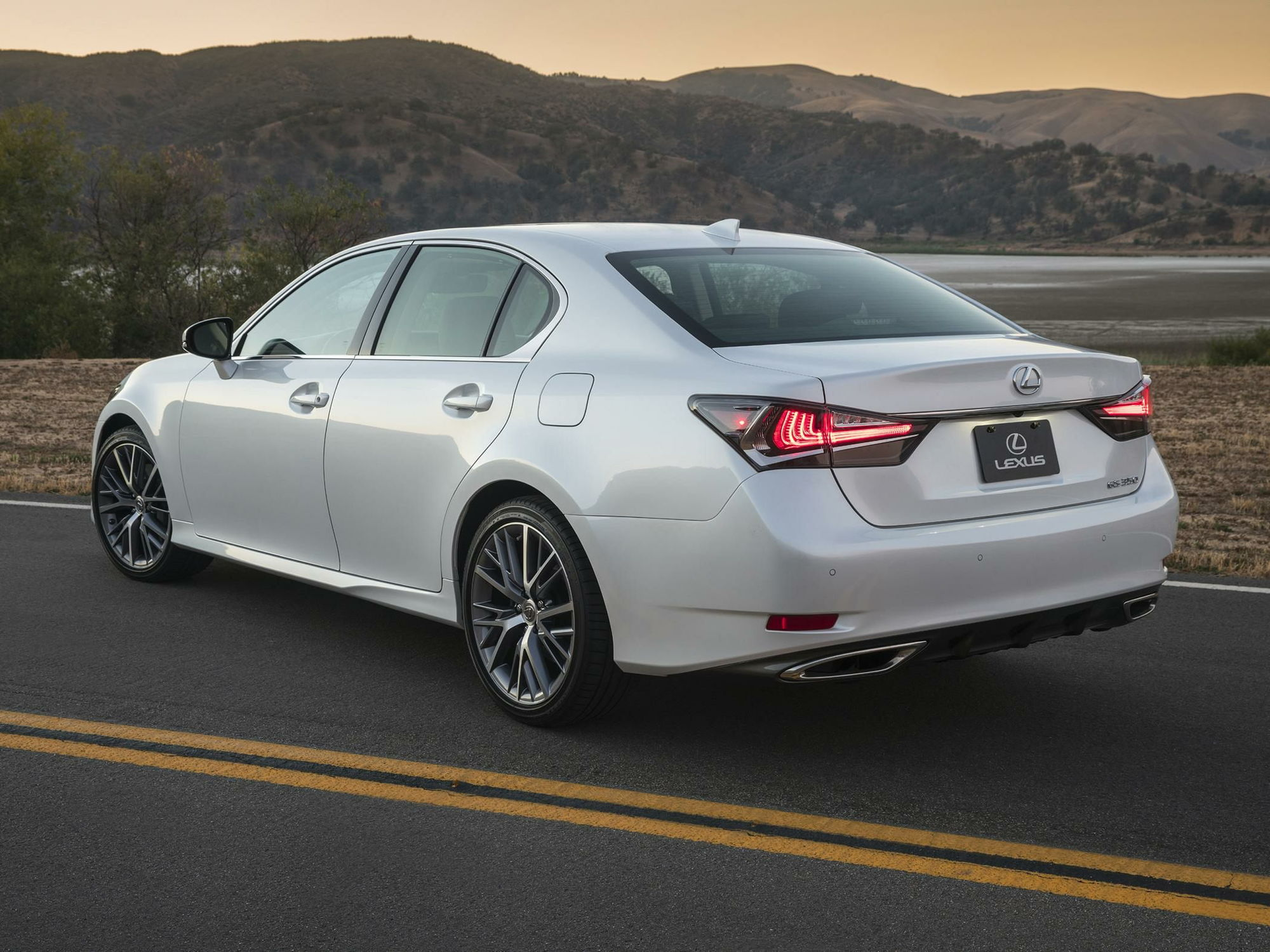 Car & Driver article on 2019 Lexus ES ClubLexus Lexus Forum