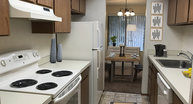 Cedarwood Apartments 8 Reviews Wenatchee Wa