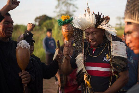 No início da manhã, indígenas ainda estavam mobilizados no tekoha Guapo'y. Foto: Tiago Miotto/Cimi