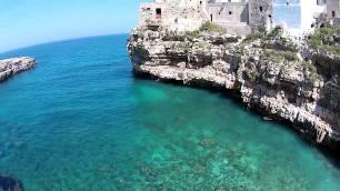Puglia -Polignano (Bari) famosa per il suo gelato e le specialità a base di pesce