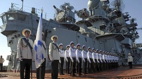 Russia's nuclear-powered missile cruiser Pyotr Veliky navy sailors at Syria's Mediterranean port of Tartus. © Grigoriy Sisoev / Sputnik