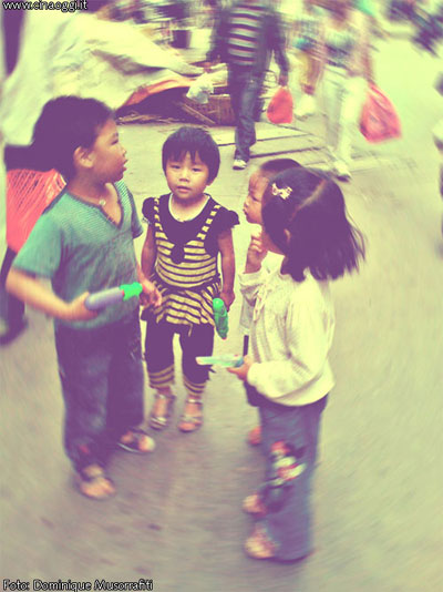 Chinese kids talking