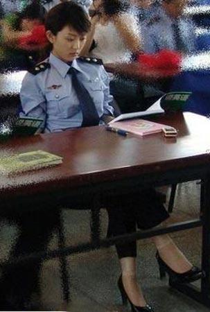 poliziotta-sexy