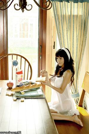 ragazza cinese in lingerie