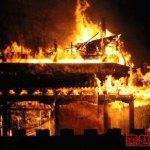 Porta millenaria distrutta dai fuochi d'artificio