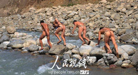 rimorchiatori-nudi