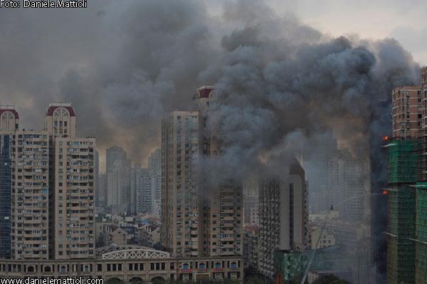 incendio a shanghai