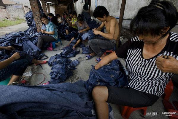 greenpeace-fashion-06-inquinamento della moda