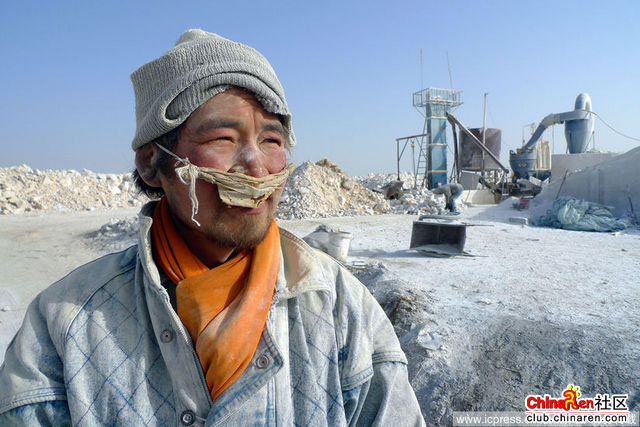 Xinjiang-Toksun-workers-004