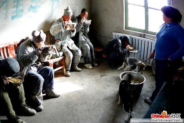 Xinjiang-Toksun-workers-006