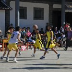 Una partita di basket alle pendici del Tibet