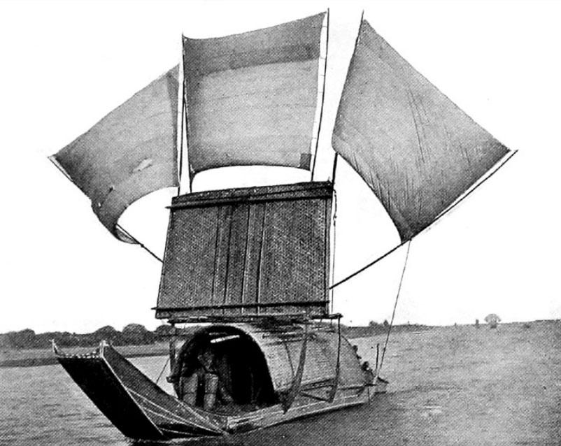 Una giunca utilizzata sul fiume Min per superare le rapide