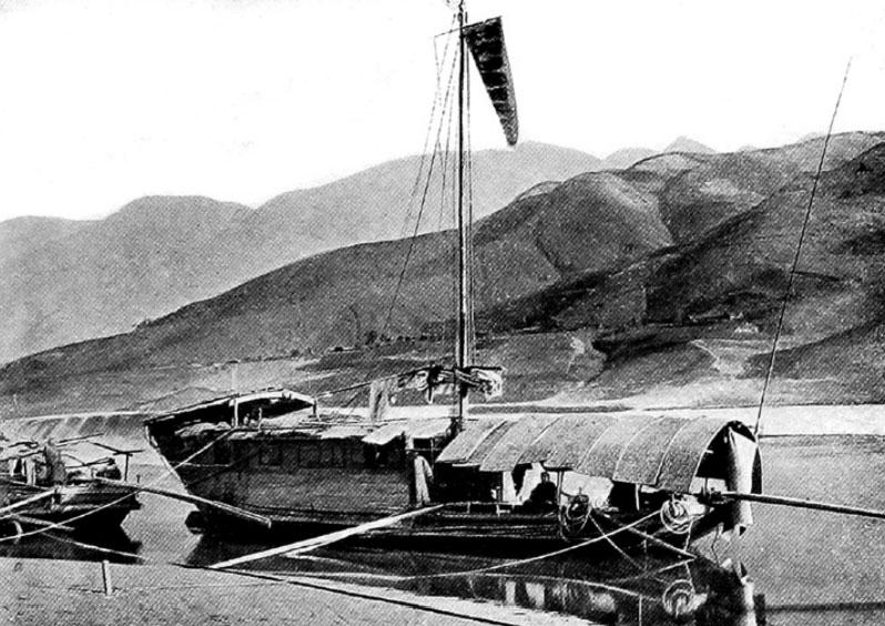 Una casa galleggiante sullo Yangtze
