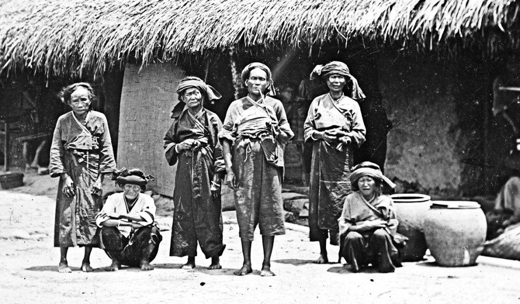 Vecchie donne Pe-po-hoan, Lan-long, Formosa, John Thomson