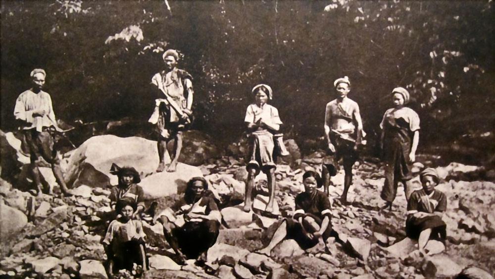 Aborigeni Pepo durante il dominio giapponese. Prima del 1945