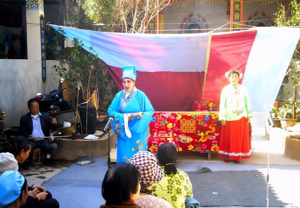 Inaugurazione di un tempio a Kunming in Cina