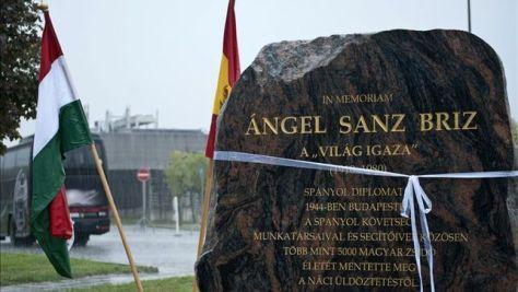 Budapest-homenajea-Sanz-Briz-judios_EDIIMA20151016_0834_4.jpg