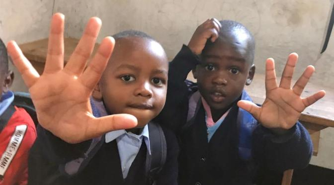 ESCRIBE TU RELATO DEL MES DE JUNIO (I): CON LOS NIÑOS DE TANZANIA SMILE (@SmileComsTZ)
