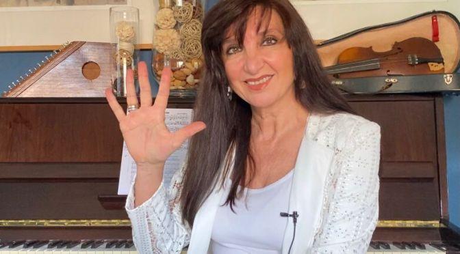 ESCRIBE TU RELATO DEL MES DE ENERO (IV): mar olayo, presidenta de cinco palabras @5palabras5 @MarMarolayo