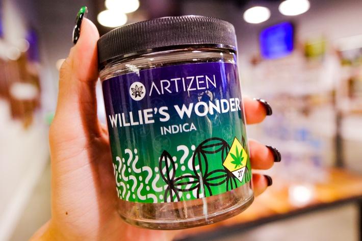 Quarter of Willie's Wonder by Artizen Cannabis Company