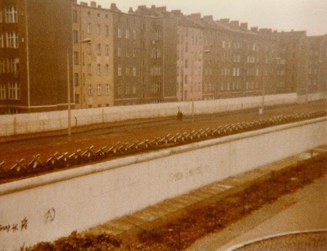 1982_berlin_wall