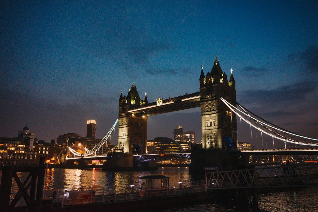 Tower Bridge de nuit