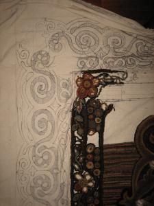 Final border on hooked rug design
