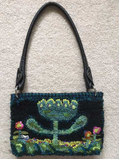 Hooked pencil pouch purse by Pat Boesel, pouch available at cindigayrughooking.com