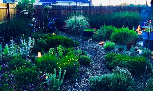 Six Ways to Personalize Your Garden - candlelight