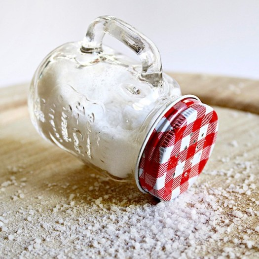 10 Good Luck Traditions from Italy salt