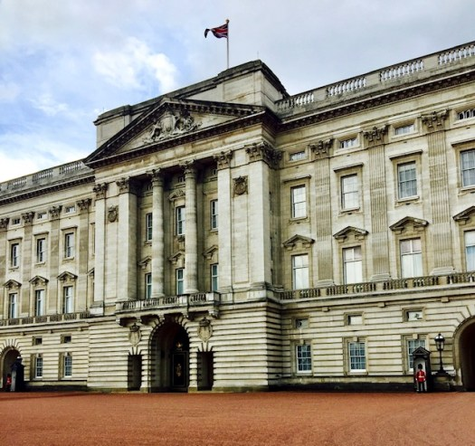10 Things You May Not Know About Buckingham Palace flag