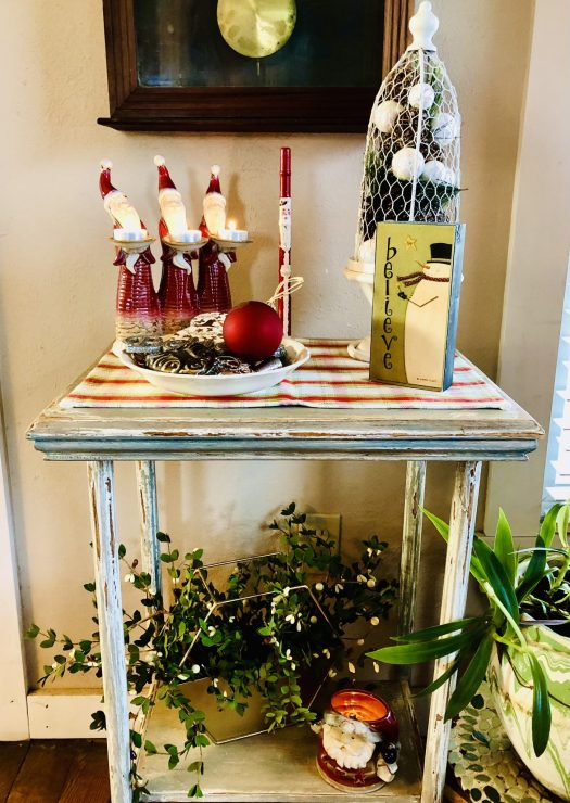 Christmas Wonderland with Decocrated entry table
