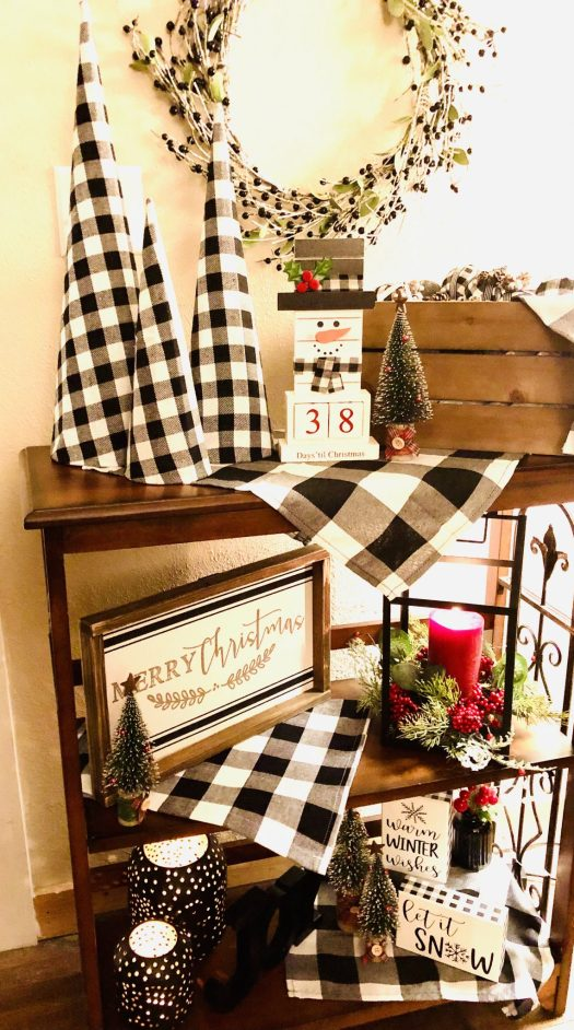 Christmas Wonderland with Decocrated small bookcase