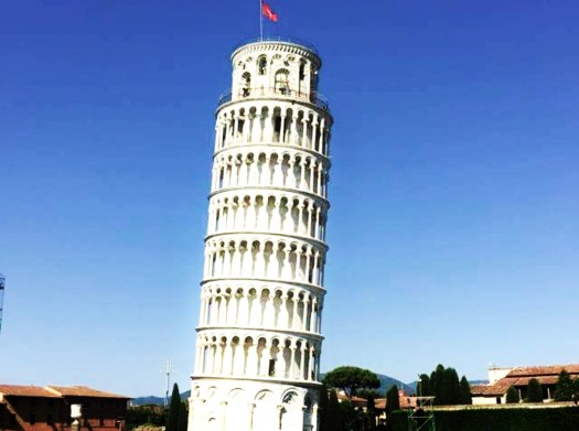 Fun Facts About the Leaning Tower of Pisa - leans different directions