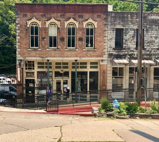Exploring Eureka Springs Mud Street Cafe