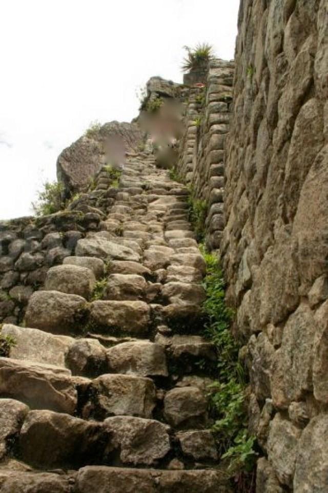 1317500270-the-ruins-of-the-inca-city-machu-picchu_853692