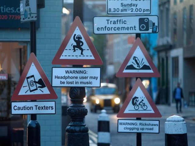 1Clever-and-humorous-Road-signs-from-around-the-world.