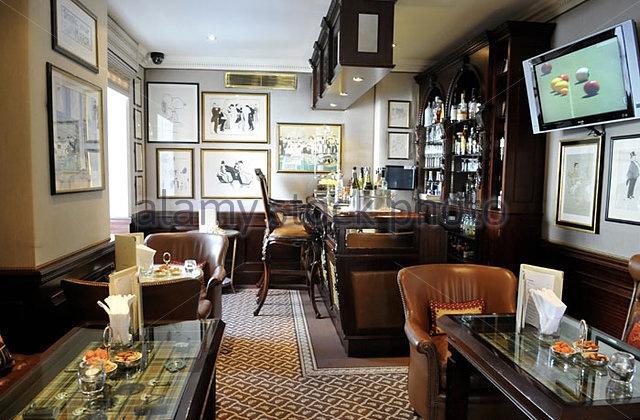 bar-at-the-egerton-house-hotel-egerton-terrace-knightsbridge-london-cwekny
