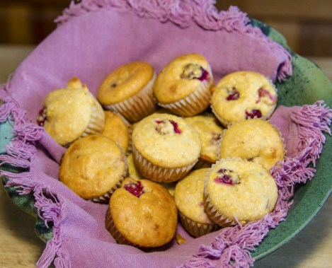 cranberry cornbread muffins