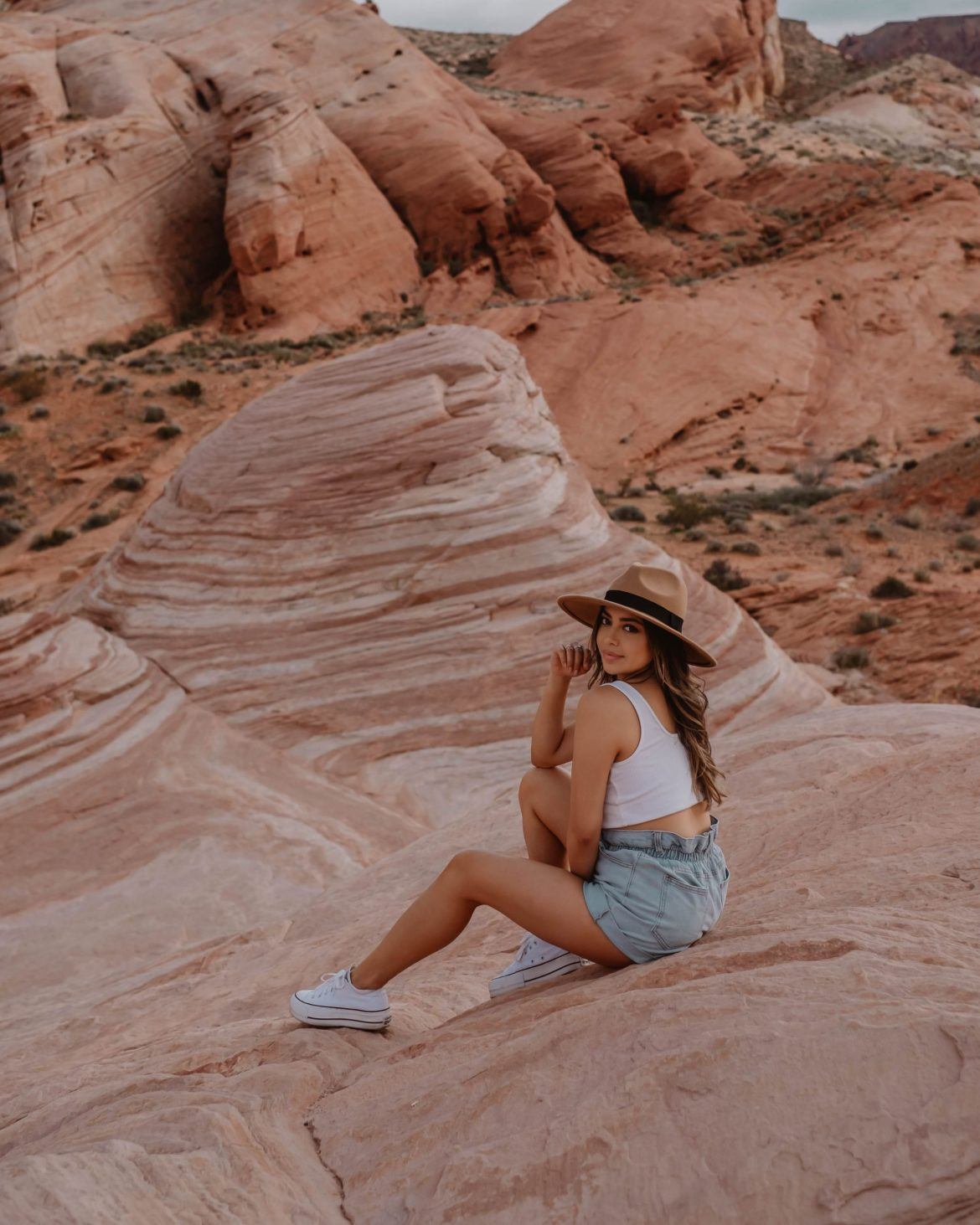 the wave hiking trail at valley of fire, Nevada plus outfit and photography idea- Nevada & Arizona road trip guide and itinerary