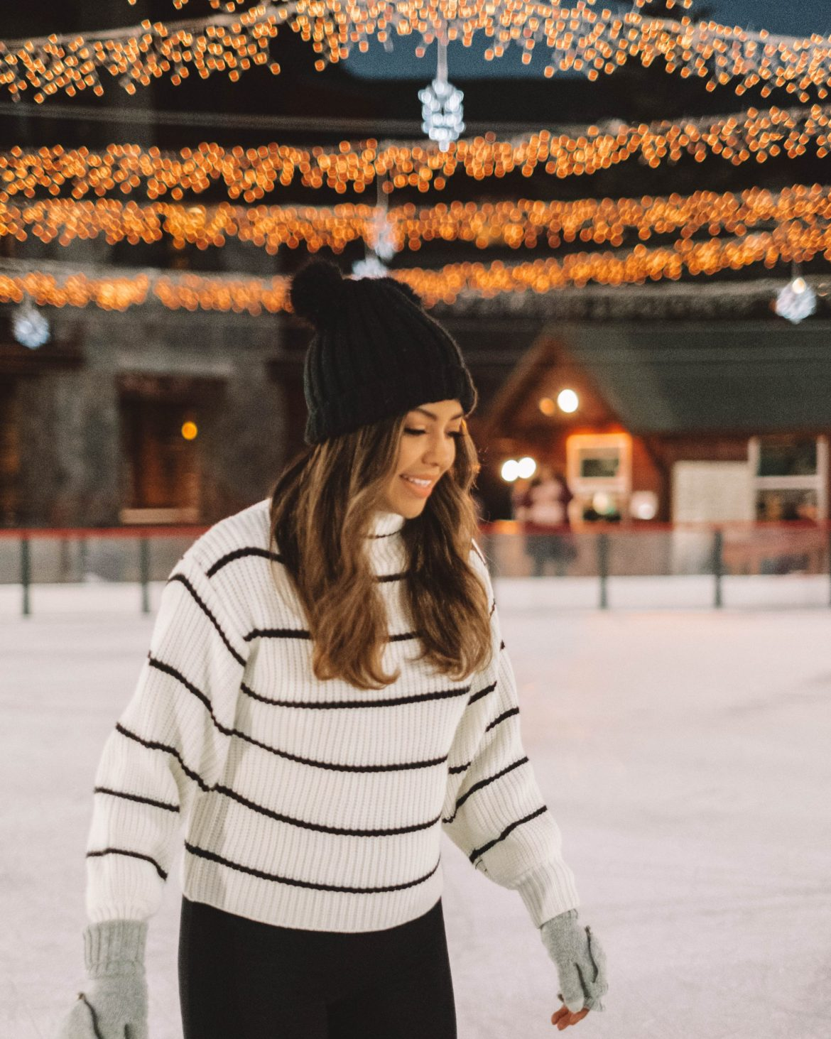 Christmas Bucket-list: 20 Fun Holiday Activities - what to do during the holidays, holiday activities, Christmas activities, and more!