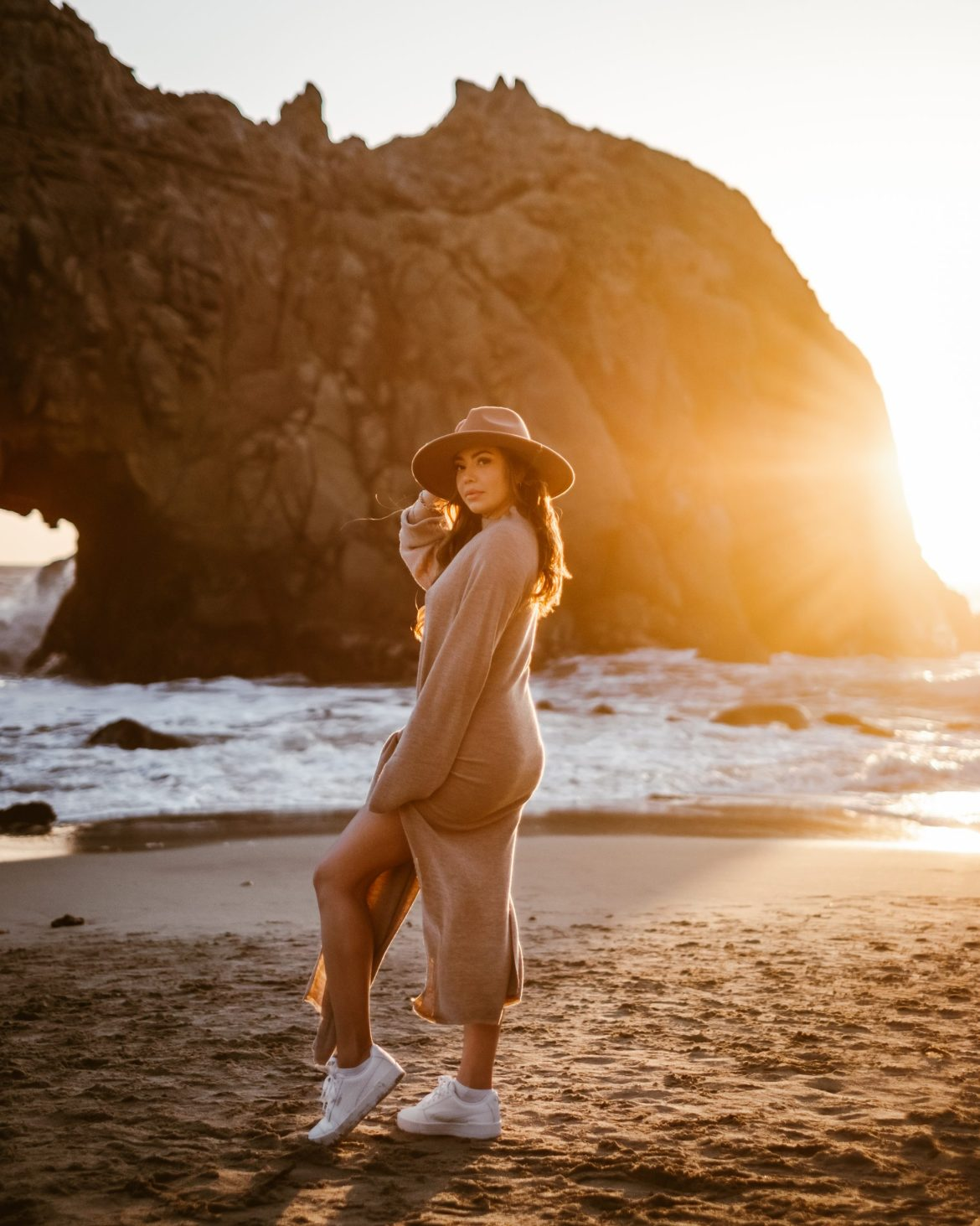 Golden Moments on a Golden Coast - sunset photoshoot, Big Sur photoshoot, Big Sur outfit, creative photography, photo ideas, California, outfit ideas, beach outfit