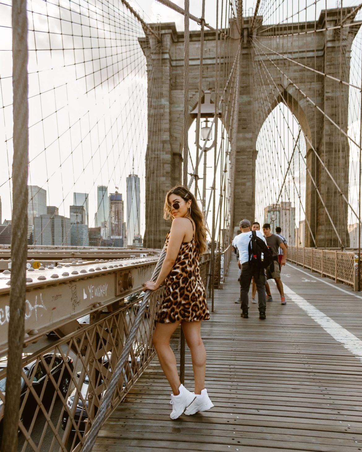 17 Best Instagram Worthy Spots in New York | Brooklyn Bridge outfit, Brooklyn Bridge photography