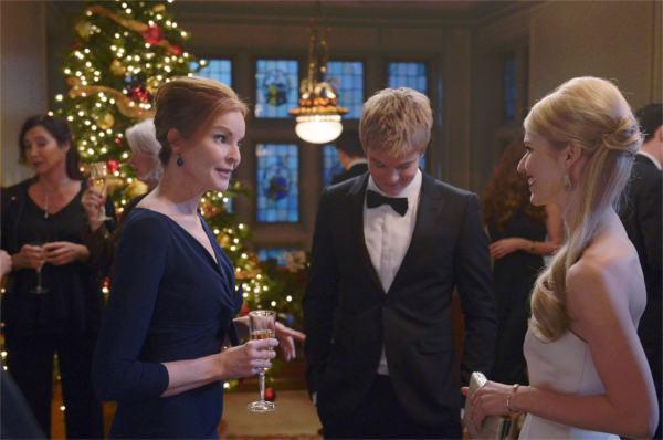 — Fiston, ta copine est encore plus blonde que toi. À l'intérieur, je veux dire. — Toi, vieille peau, attends que je me tape ton mari. - photo Philippe Bosse pour ABC