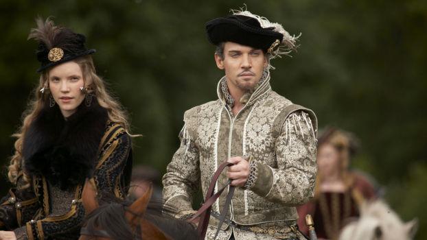 Tamzin Merchant et Honathan Rhys Meyers dans The Tudors