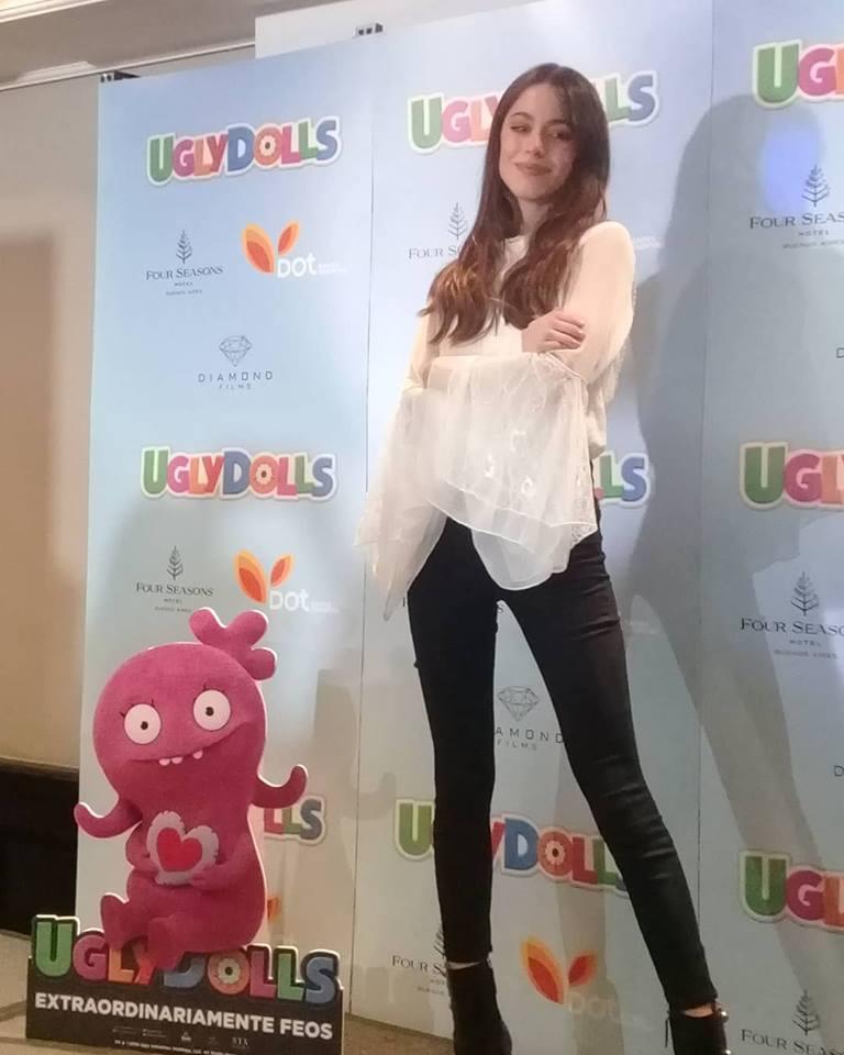Tini Stoessell dio una conferencia de prensa por su dobaje en UglyDolls