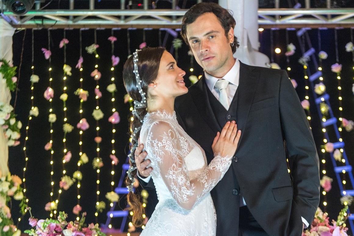 O Outro Lado do Paraíso Clara e Galen Casamento